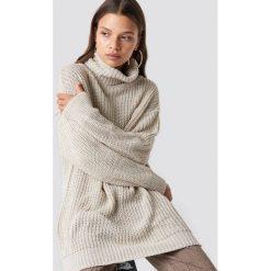 Trendyol Sweter Polo Knitted - Beige. Brązowe swetry oversize damskie Trendyol, z dzianiny. Za 100,95 zł.