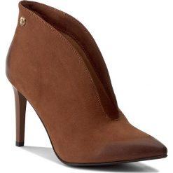 Szpilki CARINII - B3755 793-000-000-A49. Czarne buty zimowe damskie marki Elisabetta Franchi, eleganckie, na obcasie. W wyprzedaży za 239,00 zł.