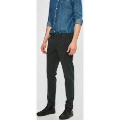 Marciano Guess - Spodnie. Szare chinosy męskie MARCIANO GUESS, z bawełny. W wyprzedaży za 239,90 zł.