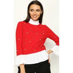 Czerwona Bluzka Spanish Pearl. Czerwone bluzki longsleeves marki Born2be, s, z falbankami. Za 59,99 zł.