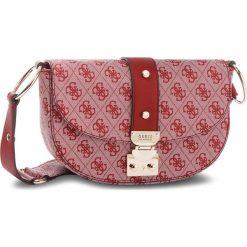 Torebka GUESS - HWSG69 91180  RED. Czerwone listonoszki damskie marki Guess, z aplikacjami, ze skóry ekologicznej. Za 519,00 zł.