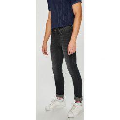 Tommy Hilfiger - Jeansy. Szare jeansy męskie relaxed fit TOMMY HILFIGER, z bawełny. Za 539,90 zł.