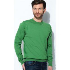 Swetry klasyczne męskie: Zielony Sweter Whom
