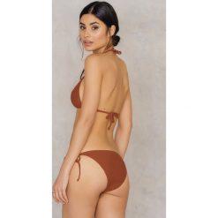 NA-KD Swimwear Dół bikini Triangle - Brown,Copper. Brązowe bikini NA-KD Swimwear, w paski. W wyprzedaży za 19,20 zł.