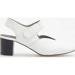 Buty ślubne damskie: Czółenka w stylu vintage - Biały