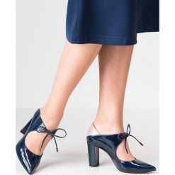 Buty ślubne damskie: Brenda Zaro DIAN Czółenka sznurowane gabo azur