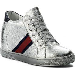 Sneakersy R.POLAŃSKI - 0924 Srebrny Kryształ. Czarne sneakersy damskie marki R.Polański, ze skóry, na obcasie. W wyprzedaży za 229,00 zł.