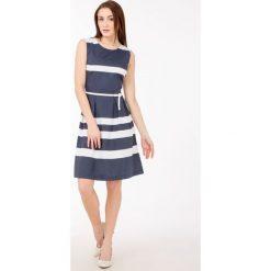 Sukienki hiszpanki: Letnia sukienka w marynarskim stylu