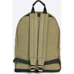 Mi-Pac - Plecak 17 l. Różowe plecaki damskie Mi-Pac, w paski, z materiału. W wyprzedaży za 129,90 zł.