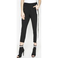 Answear - Spodnie Sporty Fusion. Szare rurki damskie ANSWEAR, z elastanu, z podwyższonym stanem. Za 99,90 zł.