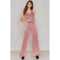 Kombinezony damskie: HOMMAGE Kombinezon z rozszerzanymi nogawkami - Pink