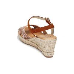 Sandały Casual Attitude  IKOKOL. Brązowe sandały trekkingowe damskie marki Casual Attitude. Za 207,20 zł.