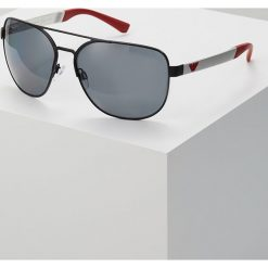 Emporio Armani Okulary przeciwsłoneczne black. Czarne okulary przeciwsłoneczne męskie wayfarery Emporio Armani. Za 739,00 zł.