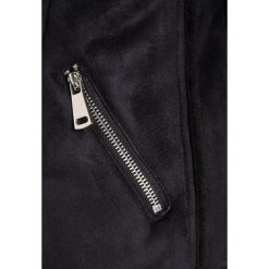 New Look 915 Generation BIKER JACKET Kurtka przejściowa black. Czarne kurtki dziewczęce przeciwdeszczowe New Look 915 Generation, z materiału. W wyprzedaży za 167,20 zł.