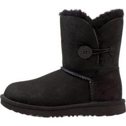 UGG BAILEY BUTTON II Botki black. Czarne buty zimowe damskie Ugg, z wełny. Za 669,00 zł.