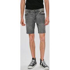Review - Szorty. Szare spodenki jeansowe męskie Review, casualowe. W wyprzedaży za 79,90 zł.