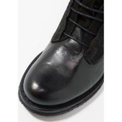 Felmini COOPER Botki sznurowane vega/metropolis/black. Czarne botki damskie na zamek Felmini, z materiału, na sznurówki. Za 629,00 zł.