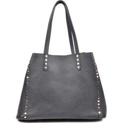 Torebka w kolorze czarnym - (S)37 x (W)26 x (G)17 cm. Czarne torebki klasyczne damskie Bestsellers bags, z materiału. W wyprzedaży za 319,95 zł.