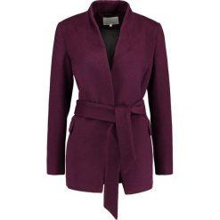 Mint&berry Krótki płaszcz plum. Fioletowe płaszcze damskie pastelowe mint&berry, z materiału. Za 419,00 zł.