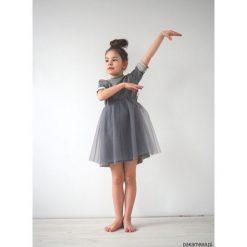 Sukienka dziecięca wizytowa szara. Szare sukienki dziewczęce letnie Pakamera, z bawełny, wizytowe. Za 120,00 zł.