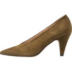 Bianca Di Czółenka oliva. Brązowe buty ślubne damskie Bianca Di, z materiału. Za 419,00 zł.