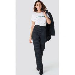 Spodnie damskie: Emilie Briting x NA-KD Spodnie w prążki - Black