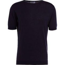 John Smedley BELDEN Tshirt basic navy. Niebieskie t-shirty męskie John Smedley, m, z bawełny. W wyprzedaży za 487,20 zł.