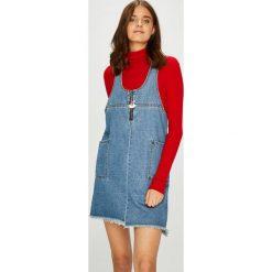 Noisy May - Sukienka. Szare sukienki mini marki Noisy May, na co dzień, l, z bawełny, casualowe, proste. W wyprzedaży za 129,90 zł.