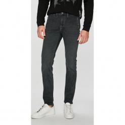 Pepe Jeans - Jeansy. Szare jeansy męskie slim Pepe Jeans. Za 379,90 zł.