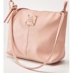 Torebka z ozdobnym napisem - Różowy. Czerwone torebki klasyczne damskie marki House, z napisami. Za 39,99 zł.