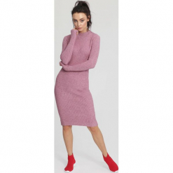 Różowa Sukienka Bush-league. Czerwone sukienki dzianinowe other, l, oversize. Za 79,99 zł.