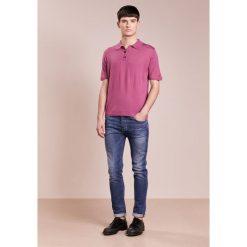 Falke Koszulka polo berry. Fioletowe koszulki polo marki Reserved, l, z bawełny. Za 789,00 zł.