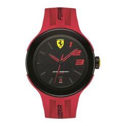 """Zegarek """"0830220-FXX"""" w kolorze czerwonym. Czerwone, analogowe zegarki męskie Lacoste, sztuczne. W wyprzedaży za 714,95 zł."""