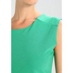 Sukienki hiszpanki: Kaffe INDIA O NECK Sukienka etui jelly bean green