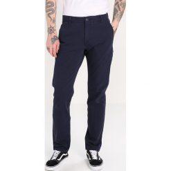 Rurki męskie: DOCKERS SMART 360 FLEX ALPHA SLIM TAPERED Spodnie materiałowe pembroke