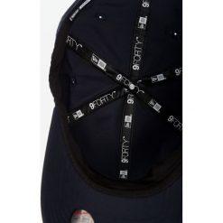 New Era - Czapka New York Yankees. Szare czapki z daszkiem męskie New Era. W wyprzedaży za 69,90 zł.