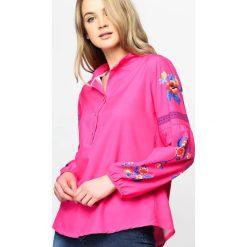 Fuksjowa Koszula Hot Trend. Niebieskie koszule damskie marki ARTENGO, z elastanu, ze stójką. Za 74,99 zł.