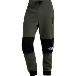 The North Face HIMALAYAN PANT Spodnie treningowe new taupe green. Szare spodnie dresowe męskie marki The North Face, l, z materiału, z kapturem. Za 349,00 zł.