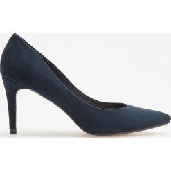 Czółenka na wysokim obcasie - Granatowy. Białe buty ślubne damskie marki Reserved, na wysokim obcasie. Za 99,99 zł.