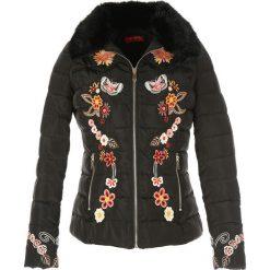 Bomberki damskie: Krótka, haftowana kurtka puchowa DESIGUAL