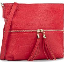 Torebka CREOLE - K10198 Czerwony. Czerwone listonoszki damskie Creole, ze skóry. W wyprzedaży za 159,00 zł.
