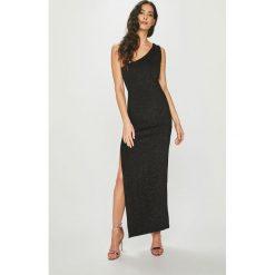 Answear - Sukienka Night Fever. Szare długie sukienki marki ANSWEAR, l, z dzianiny, eleganckie, dopasowane. Za 149,90 zł.