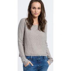 Review - Sweter. Szare swetry klasyczne damskie Review, s, z bawełny, z okrągłym kołnierzem. W wyprzedaży za 49,90 zł.