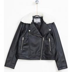 Kurtka w kolorze czarnym. Czarne kurtki dziewczęce marki bonprix. W wyprzedaży za 99,95 zł.