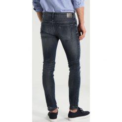 DRYKORN JAZ Jeansy Slim Fit blue. Niebieskie rurki męskie DRYKORN, z bawełny. Za 629,00 zł.