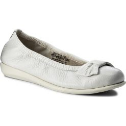 Baleriny CAPRICE - 9-22117-20 White Deer 105. Szare baleriny damskie marki Caprice, z gumy. W wyprzedaży za 179,00 zł.
