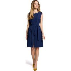 SOLANA Sukienka bez rękawów z plisą po środku i z paskiem - granatowa. Brązowe sukienki marki Moe, l, z bawełny. Za 159,90 zł.