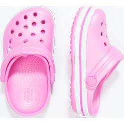 Crocs CROCBAND Sandały kąpielowe party pink. Czarne sandały chłopięce marki Crocs, z materiału. Za 139,00 zł.