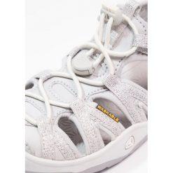 Keen MOXIE  Sandały trekkingowe silver. Czerwone sandały chłopięce marki Keen, z materiału. Za 229,00 zł.