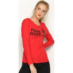 Czerwona Bluzka Fear and Hope. Czerwone bluzki asymetryczne Born2be, l, z aplikacjami, z okrągłym kołnierzem, z długim rękawem. Za 29,99 zł.